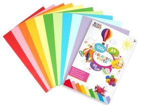 100st färgade papper i A4-format