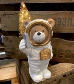 Julnalle med LED -Astronaut