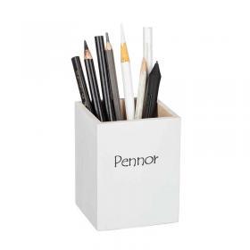 Trälåda pennor